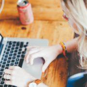 Violencia online: las mujeres sufren acoso en redes sociales desde los 9 años