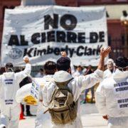 Quilmes: Los trabajadores de Kimberly Clark marcharán al Municipio en defensa de sus puestos laborales
