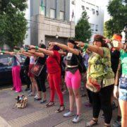 «El violador eres tú»: mujeres protestaron contra la violencia de género