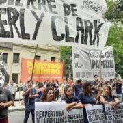 Kimberly Clark: protesta ante el Ministerio de Producción bonaerense