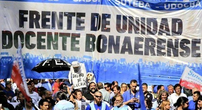 Los docentes bonaerenses vuelven a exigir el retroactivo de diciembre