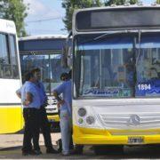 Paro de colectivos: los choferes reclamaron por «salarios atrasados»