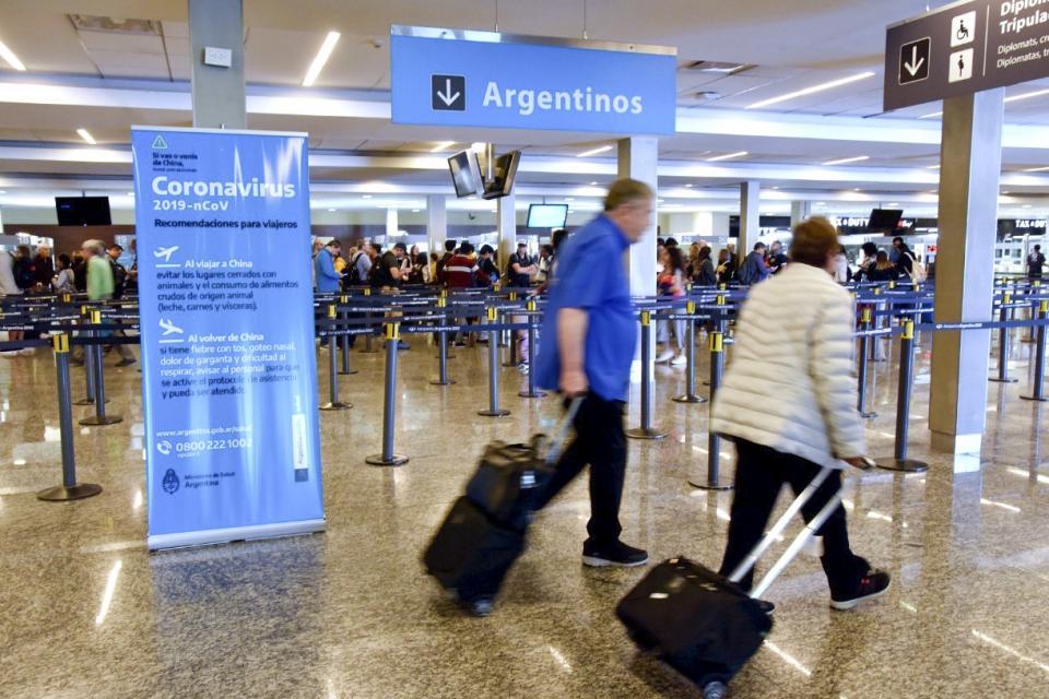 Coronavirus: vecinxs del conurbano que viajaron al exterior y aún no pueden volver