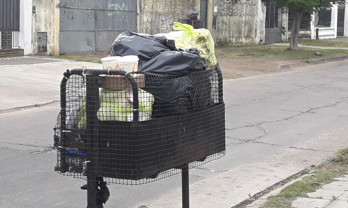 Las calles de Lomas repletas de basura