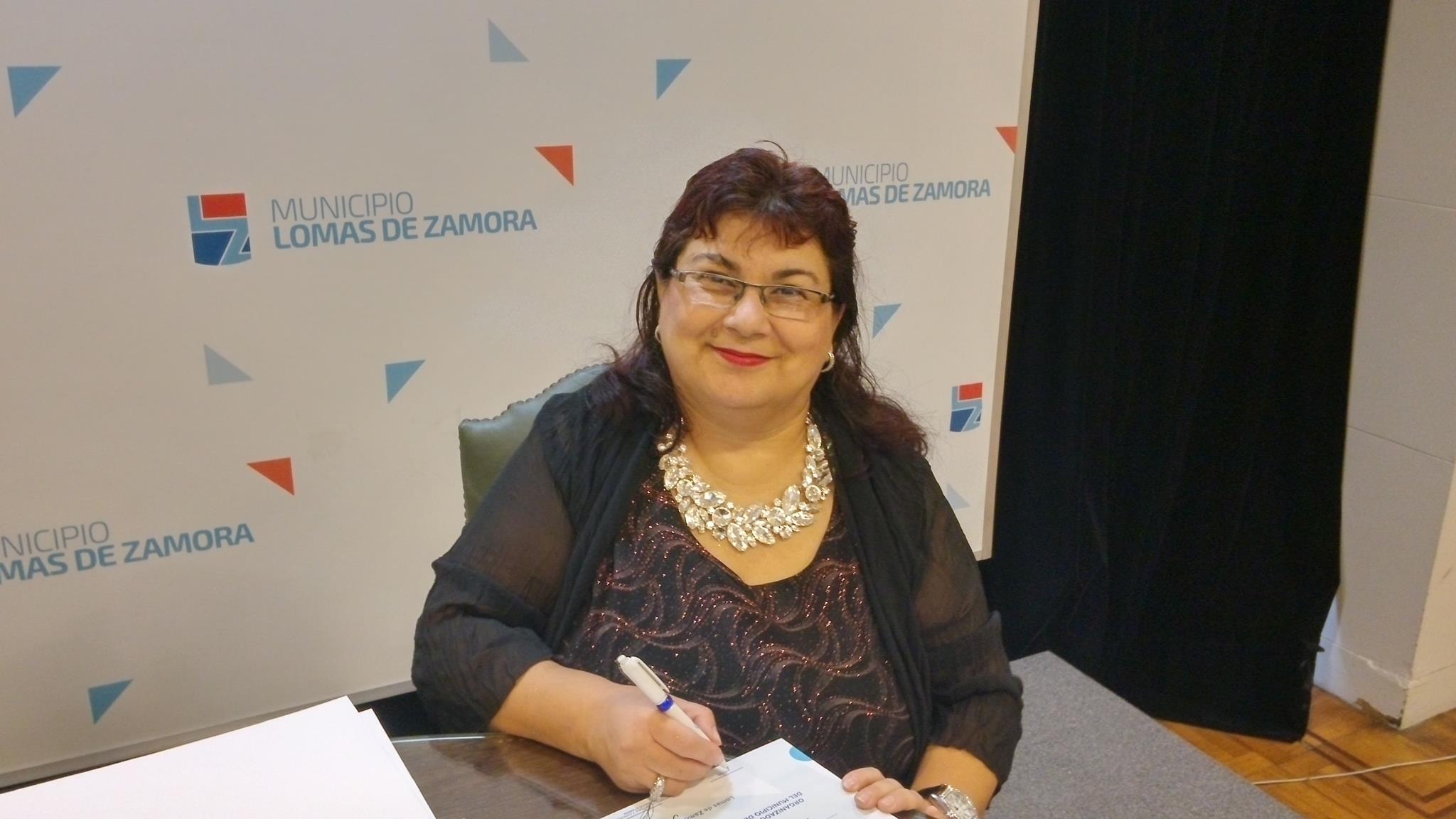 La escritora Dietris Aguilar, premiada en Poesía