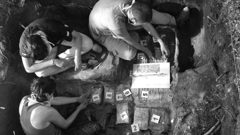 La UNCUYO distinguió a dos referentes del Equipo Argentino de Antropología Forense