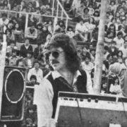Charly García cumple 70 años: así fue el increíble recital con Serú Girán en la cancha de Los Andes, el primero en un estadio de fútbol