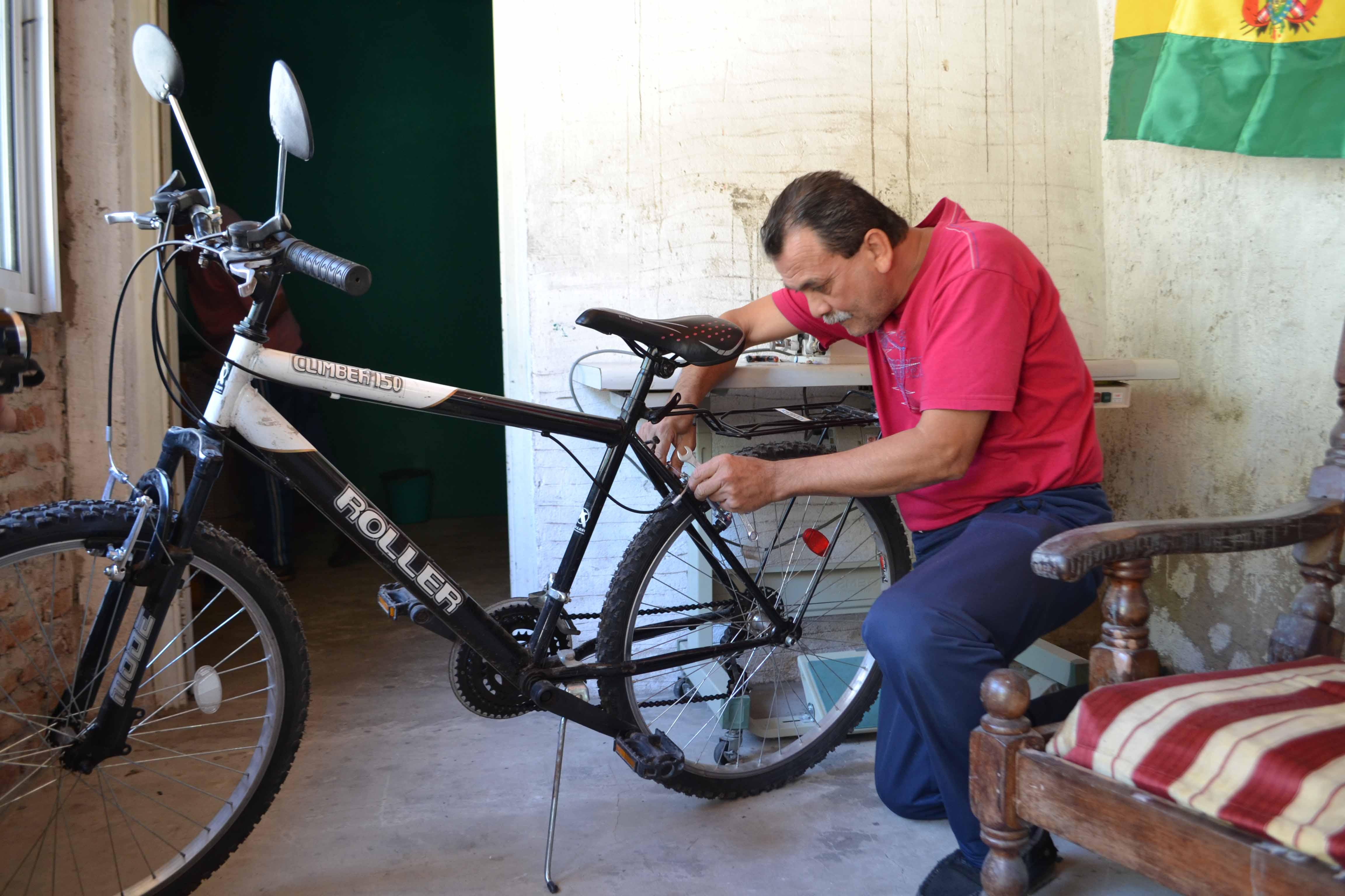 Juan Chamorro en su bicicleta