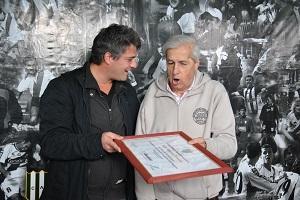 Murió 'Juanchi' Taverna, ídolo del Taladro y goleador récord del fútbol argentino