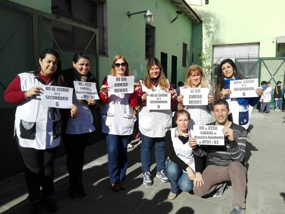 Docentes de solidarizan con la lucha de la escuela 6