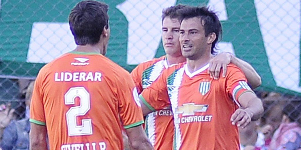 Darío Cvitanich celebra su gol ante Racing.
