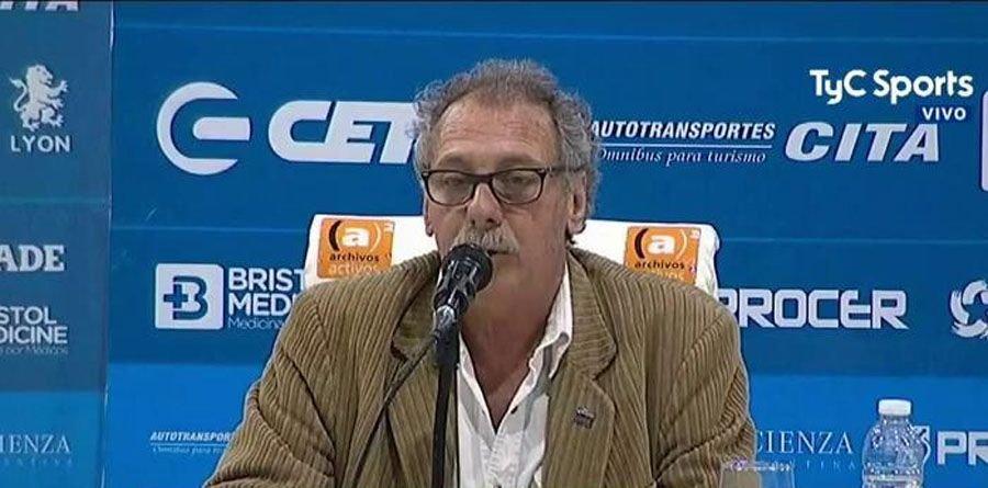 """Temperley licenció por """"tiempo indeterminado"""" a Alexis Zárate"""