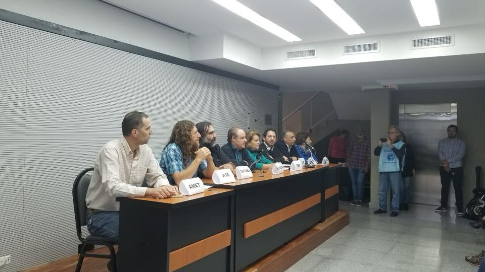 """Otro """"ajuste"""" del gobierno de Vidal"""
