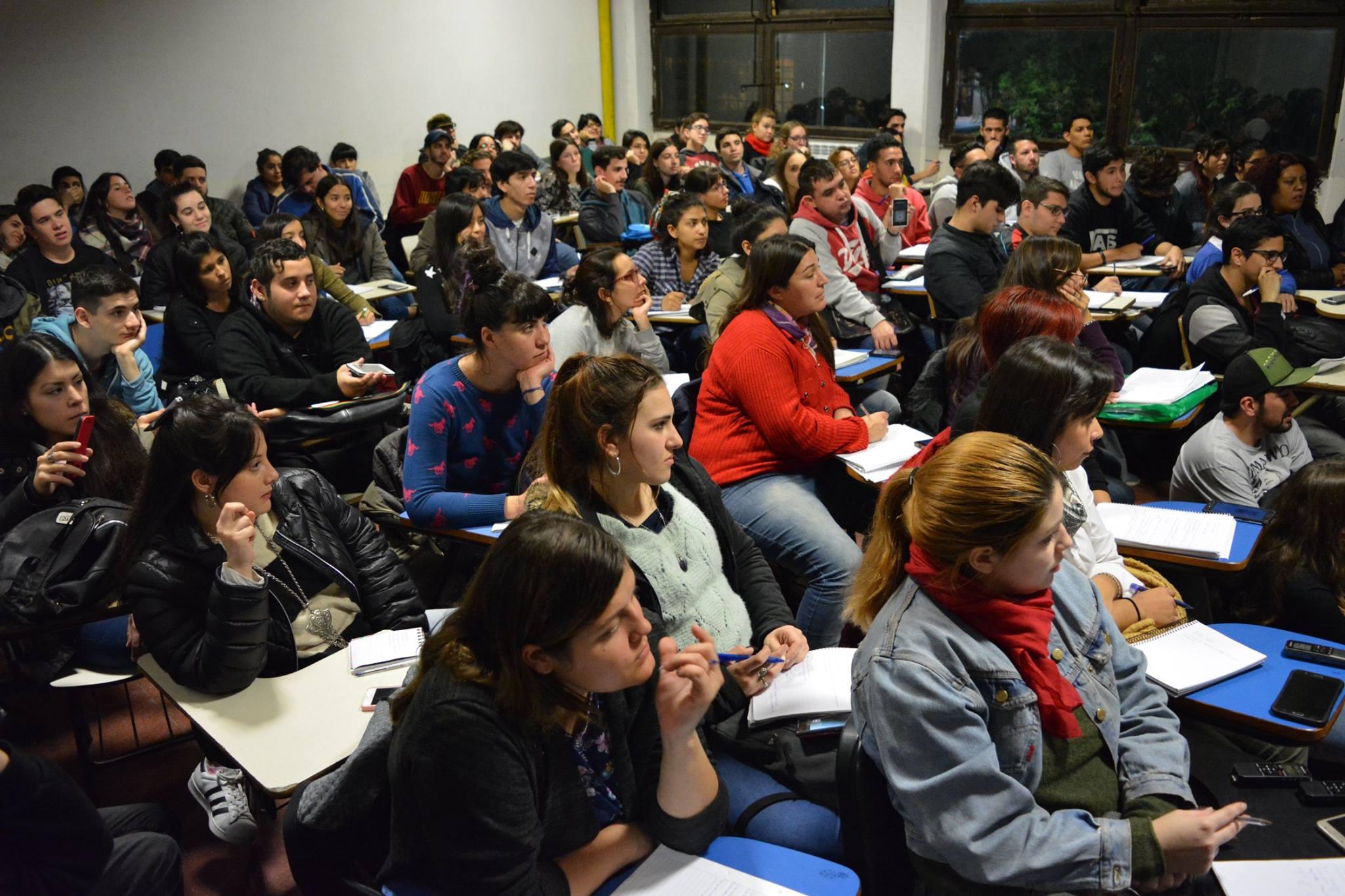 #Orgullosamente Conurbana: el amor de lxs chicxs de la UNLZ por su universidad