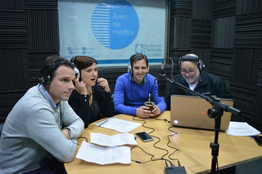 La Facultad de Sociales homenajeó a la radio y su historia