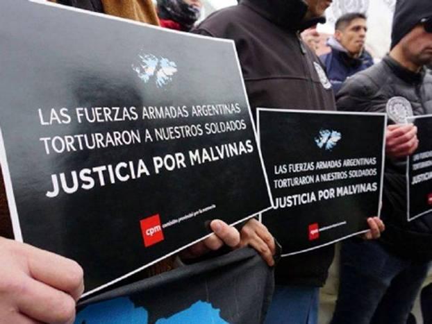 Malvinas: la Justicia suspendió las indagatorias a militares acusados de torturas