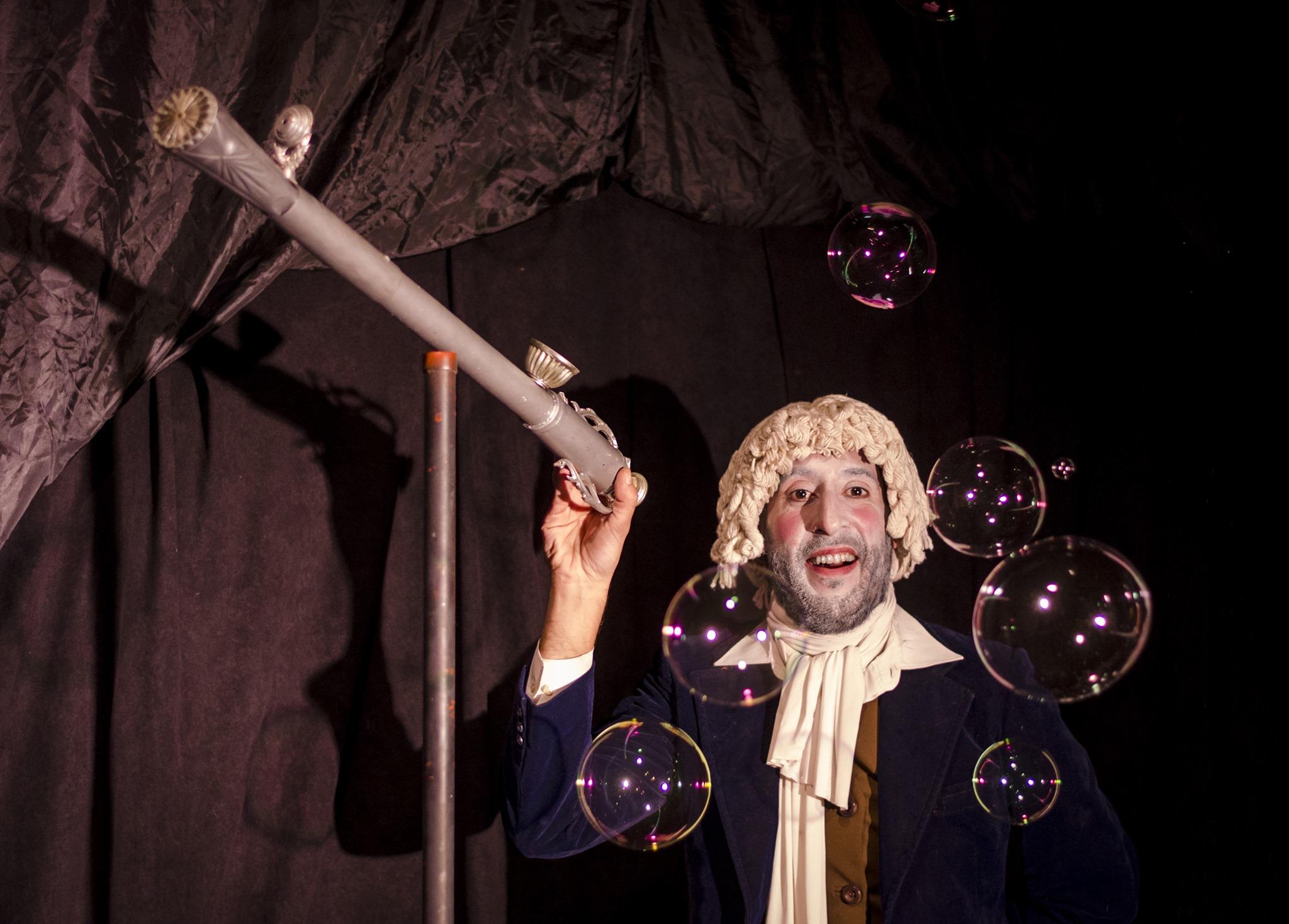 Señor Galileo, un espectáculo con burbujas