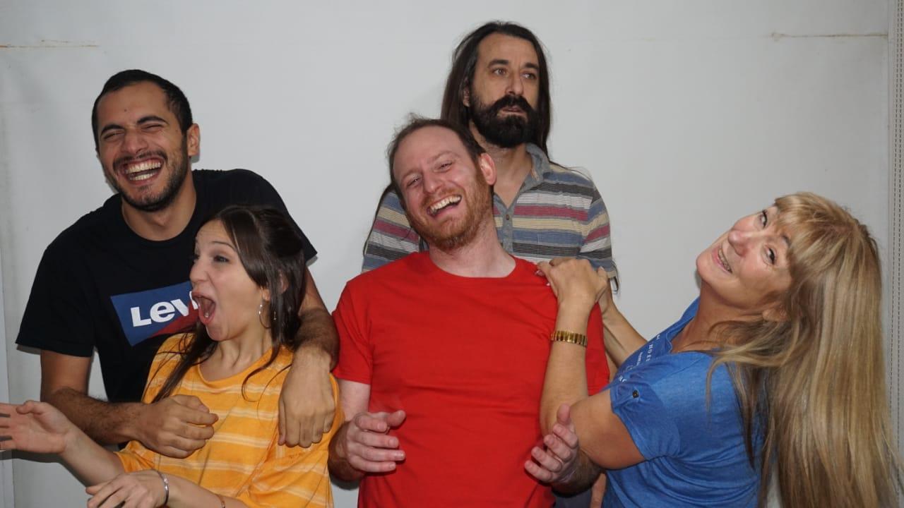 La Resistencia, el grupo de teatro independiente que da pelea a través del humor
