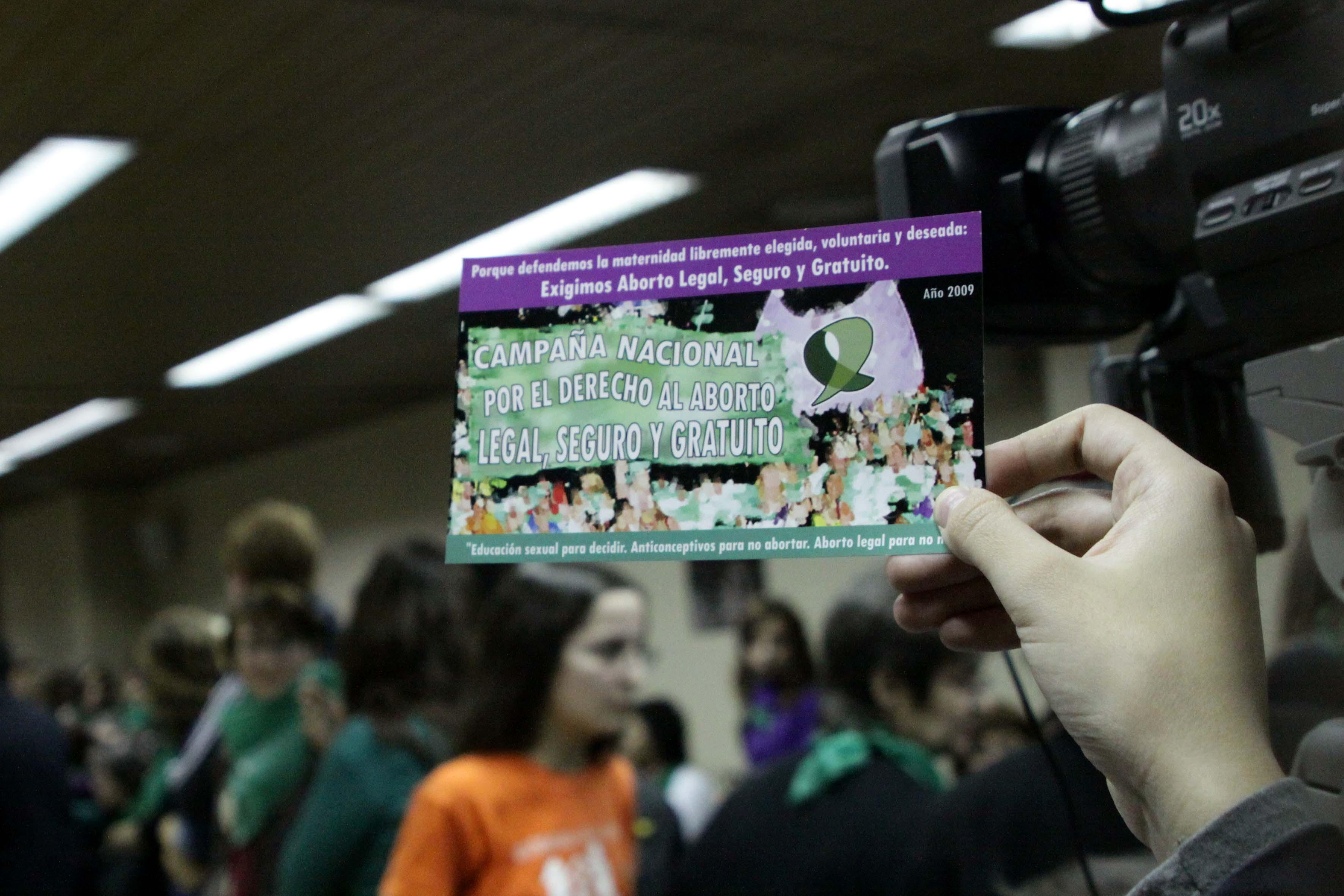 """Organizaciones presentan el libro """"El aborto como derecho de las mujeres"""""""