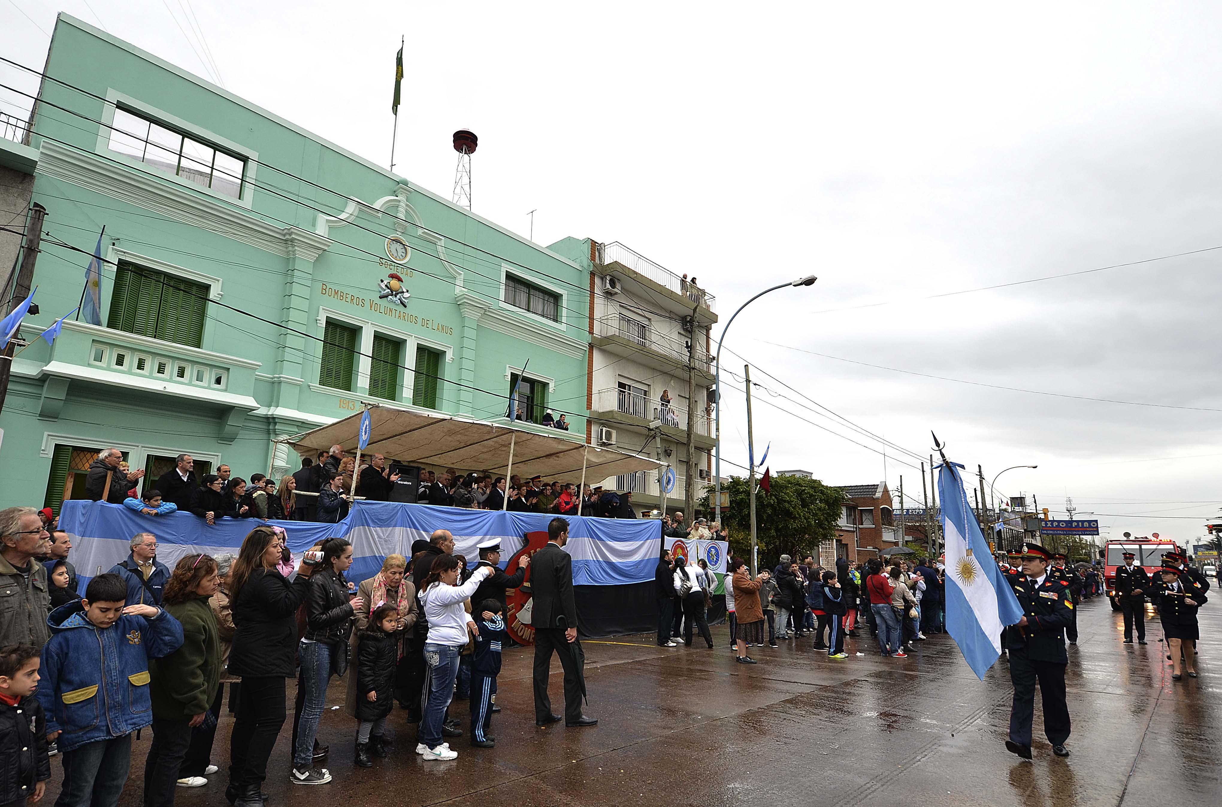 Los Bomberos Voluntarios de Lanús  festejaron sus 100 años