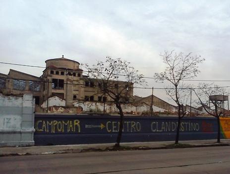 Denuncian que empezó la demolición de la ex Campomar