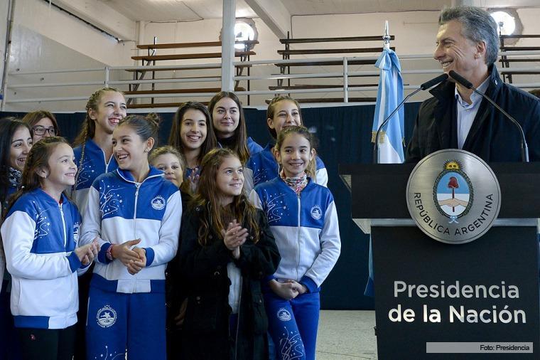 Macri en el Club Juventud Unida