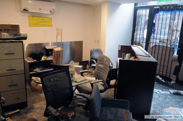 Destrozos en la redacción de Tiempo Argentino