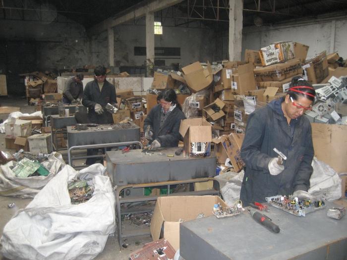 Instan a que las cooperativas de cartoneros participen del reciclado