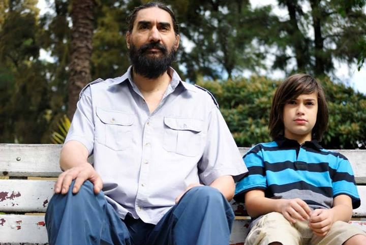 """La adopción, en clave de humor absurdo: """"Los hijos salvan a los padres"""""""